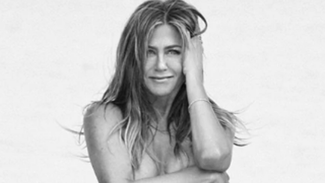 El 'top less' de Jennifer Aniston a los 50.