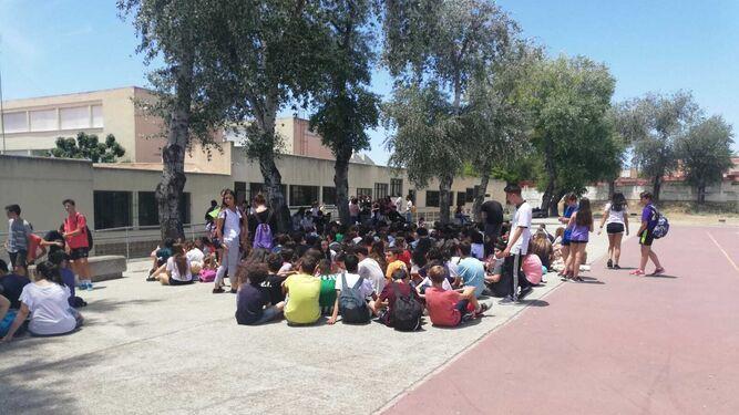 Educación Los alumnos del IES Álvar Núñez paran las clases para ...