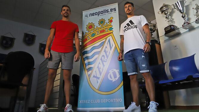 Dani Castro se marcha cedido al Guadalcacín y Álex Rodríguez puede seguirle los pasos.