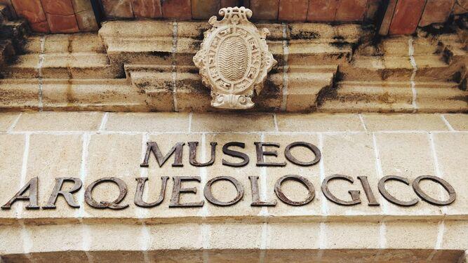 Fachada del Museo Arqueológico.