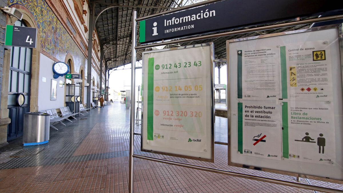 Adif extiende a los andenes la prohibición de fumar en la estación de trenes