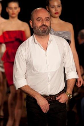 2c775ac2 Tras su bagaje y experiencia como diseñador en la empresa Liwe España, el  diseñador crea la firma que lleva su nombre, Antonio García.